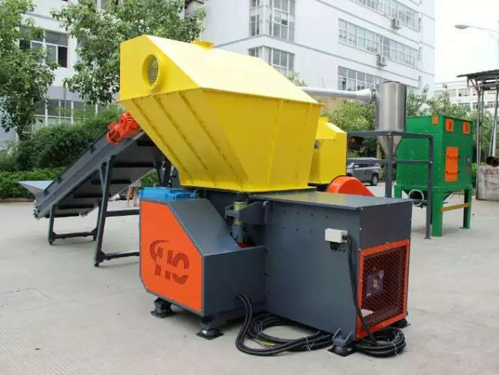 Municipal solid waste to wood-plastic recycling line sent to Guangdong Province
