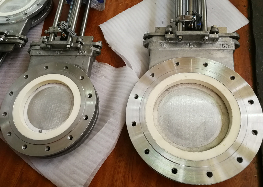 Ceramic Knife Gate Valves For SiO2 Powder In Glass Plant